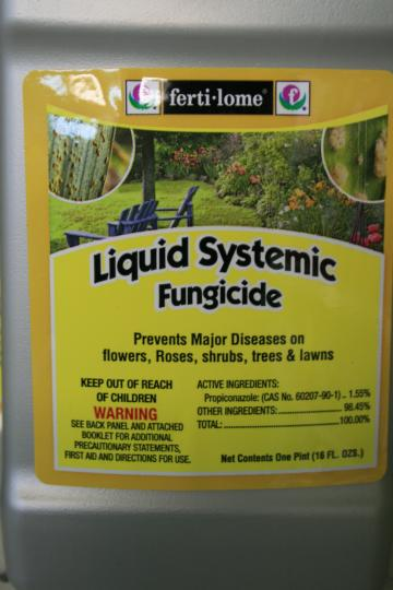 Ferti-lome Liquid System Fungicide contains the active ingredient Propiconazole.